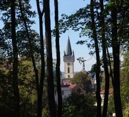 Ścieżki on-line oraz stolik szachowy w mieście Dvůr Králové