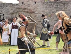 Otvírání hradu Pecka