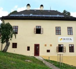 DOTEK získal ekoznačky jako první v Krkonoších
