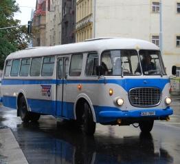 Na závěr letošního ročníku Krkonošských cyklobusů historický autobus v Krkonoších!
