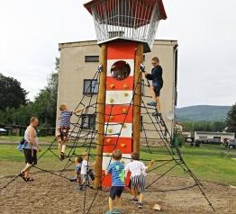 Otevření nového prostoru a dětského hřiště Děti dětem