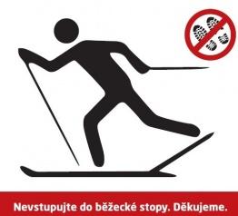 Nevstupujte běžkařům do upravených tras