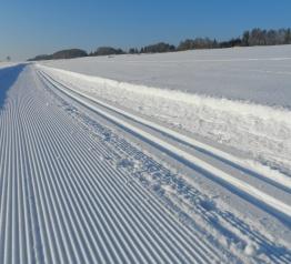 Oświetlona i sztucznie naśnieżona pętla narciarska